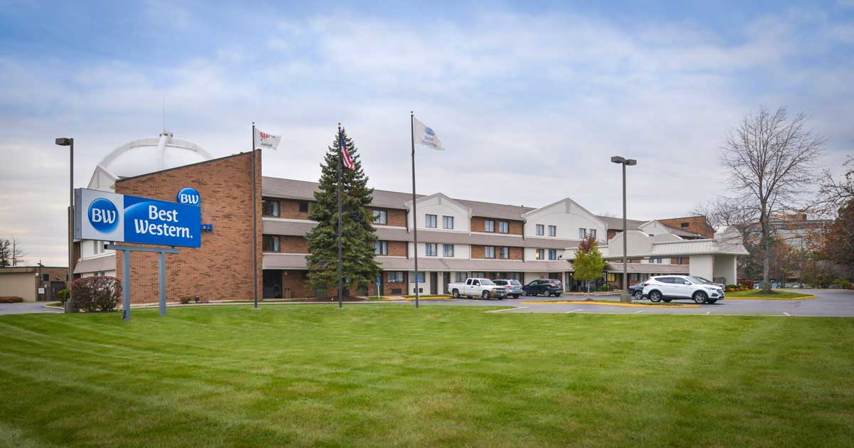 Naperville Hotels And Accommodations - Naperville, IL